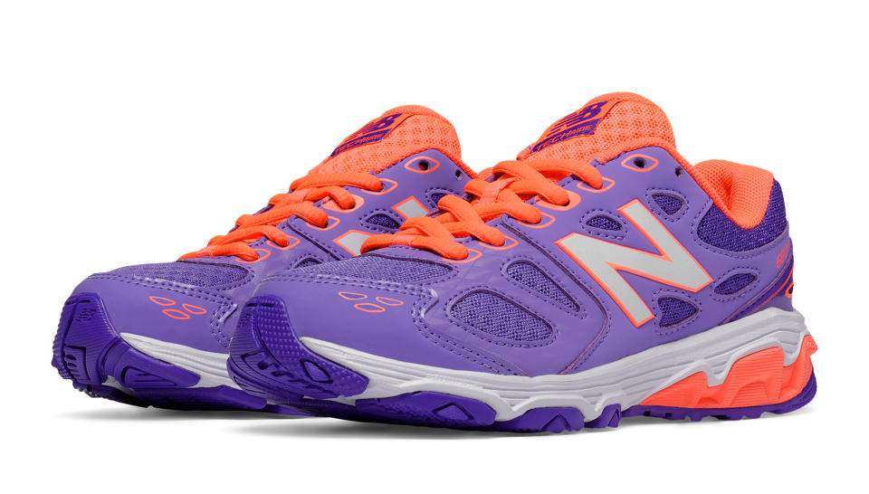new-balance-680v3-girls-running-shoes