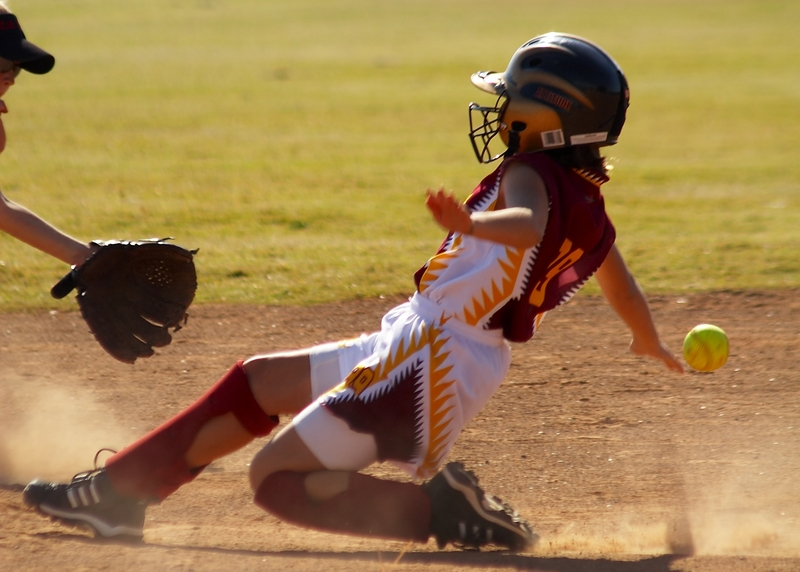 softball, sliding
